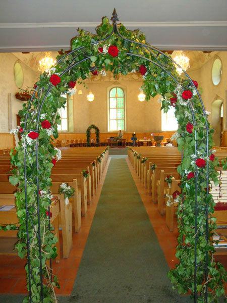 Beispiel: Blumenschmuck für die Trauungszeremonie, Foto: Blütenreich.