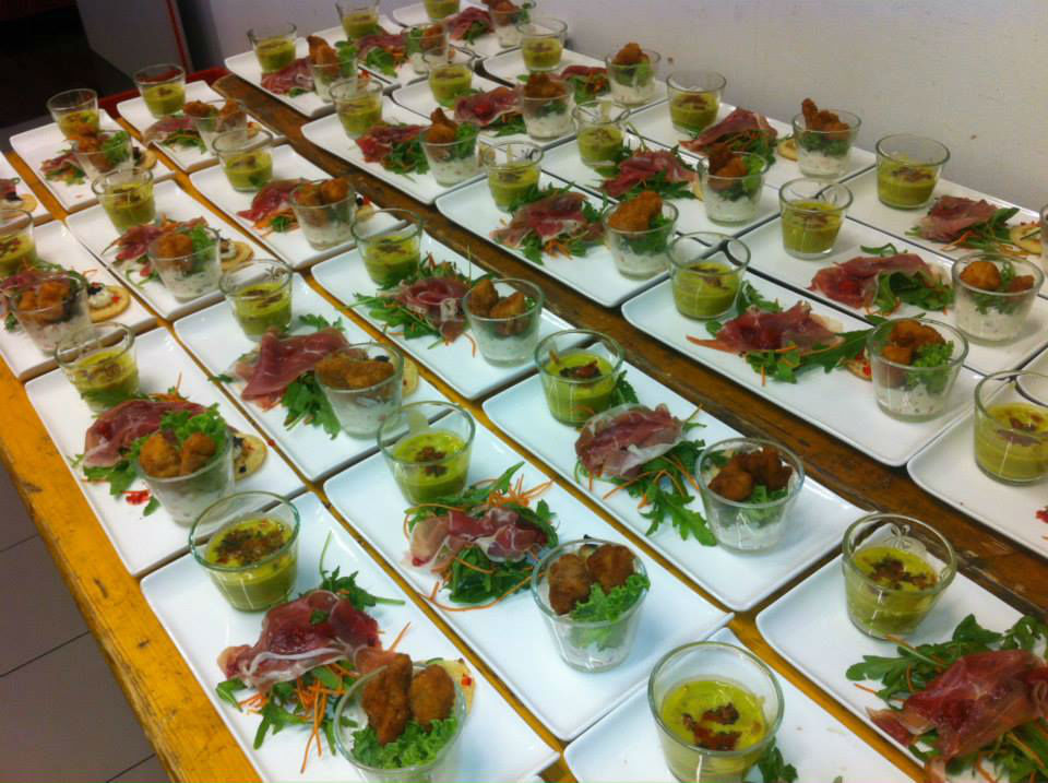 Beispiel: Professioneller Cateringservice, Foto: Bar and more Eventcatering.