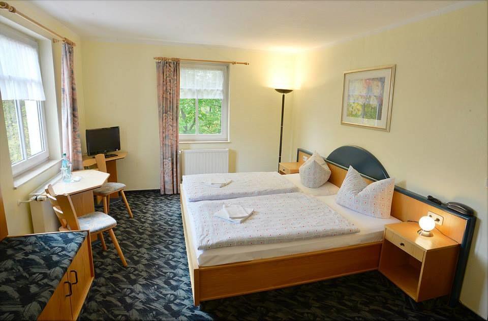 Beispiel: Hotelzimmer, Foto: Waldgasthaus & Hotel Stiefelburg.