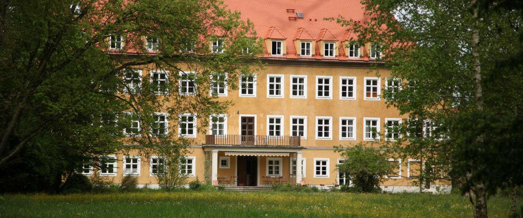 Beispiel: Schlosshotel, Foto: Schloss Blumenthal.