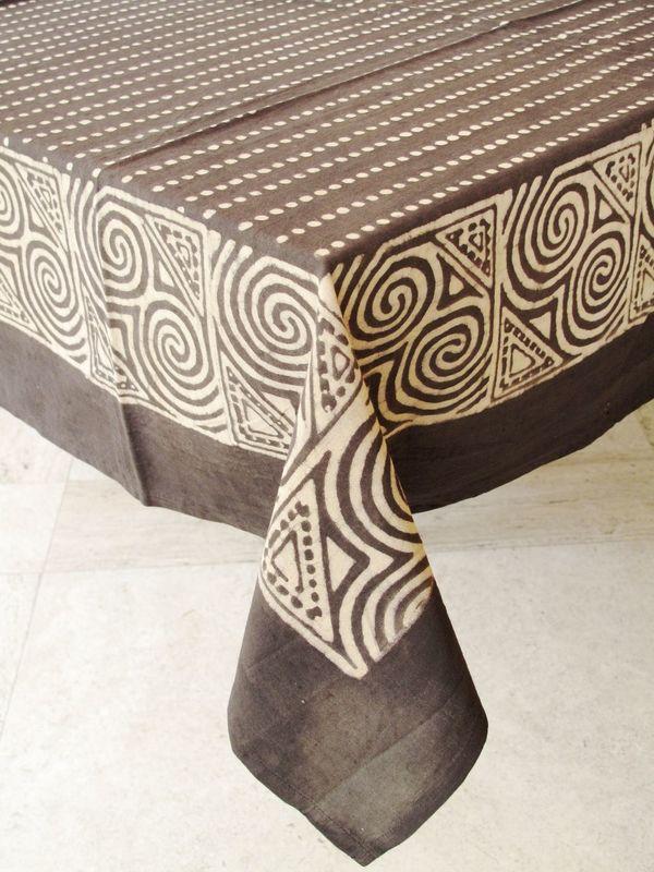 Nuestra mantelería incluye muchos tamaños en redondo, cuadrado y rectangular para adaptarse a casi cualquier tamaño de mesa.