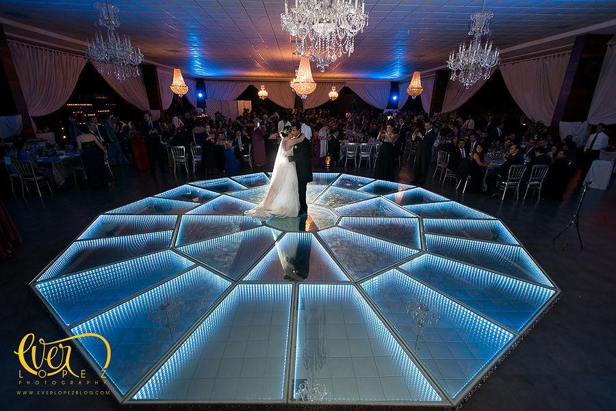 primer baile como esposos en hacienda la Macarena Guadalajara  Fotografia de boda por fotografo profesional de bodas Ever Lopez