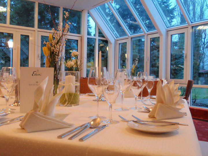 Beispiel: Wintergarten - Tischdekoration, Foto: Hotel Eden - Restaurant garbo.