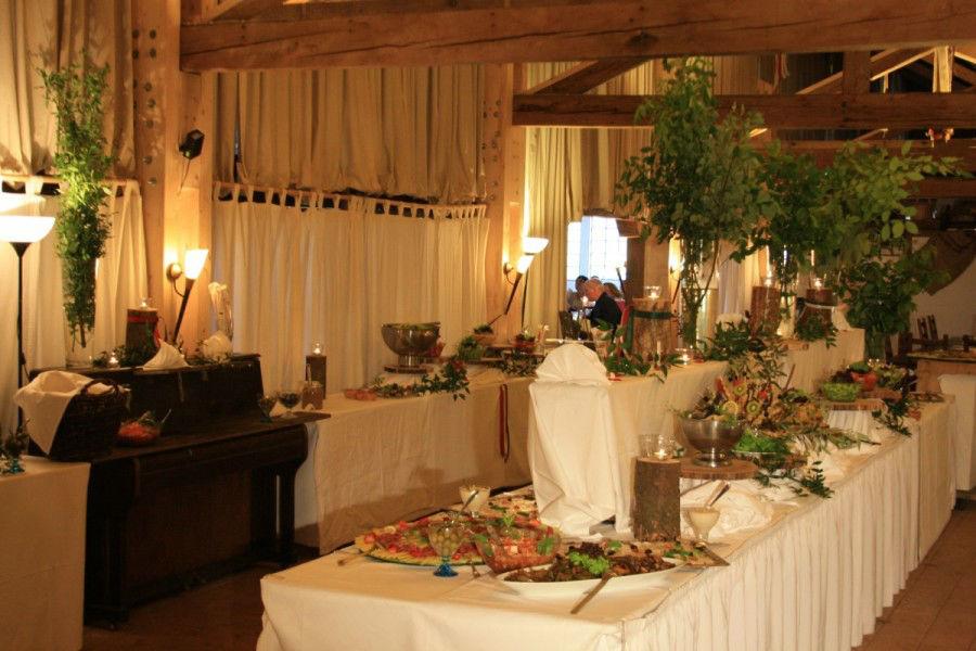 Beispiel: Hochzeitsbuffet, Foto: Eventstadl