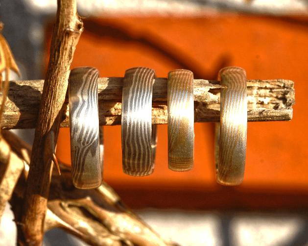 Beispiel: Ringe der Reihe Mokume Gane, Foto: Das Schmuckwerk.