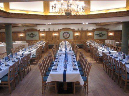 Beispiel: Festtagstafel, Foto: AKZENT Hotel Schatten.