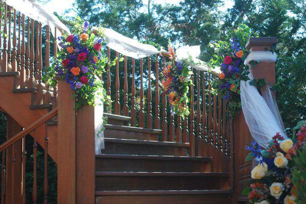 Particolare della scalinata del giardino di casa della sposa