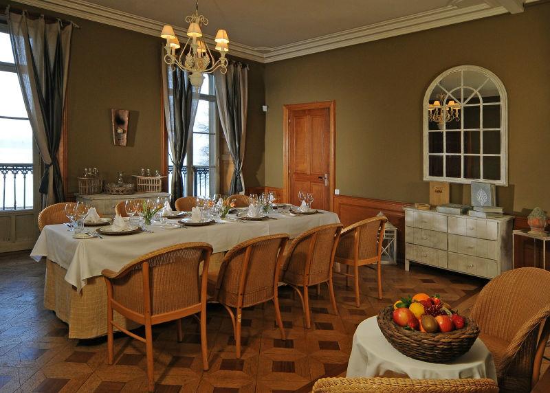 Beispiel: Salon Mina, Foto: Schloss Schadau Thun.