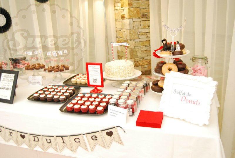 Buffet de donuts, minicupcakes, tarta... todos los postres que necesites, en una amplia variedad de sabores, 100%artesanos.
