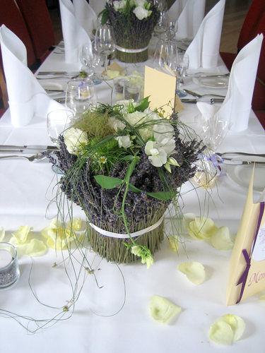 Beispiel: Blumen für Ihren Hochzeitstisch, Foto: Krätzer Blumen.