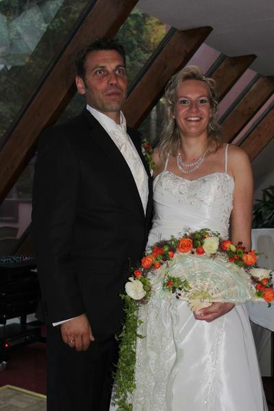 Beispiel: Brautpaar, Foto: Blumenhaus D. Schulz.