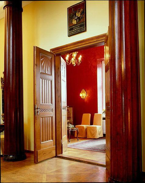 Beispiel: Eingang zum Balkonzimmer, Foto: Schloss Lübbenau.
