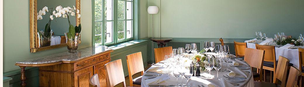 Beispiel: Hochzeitsgedeck im Belle Epoque Saal, Foto: Gasthof Hirschen.