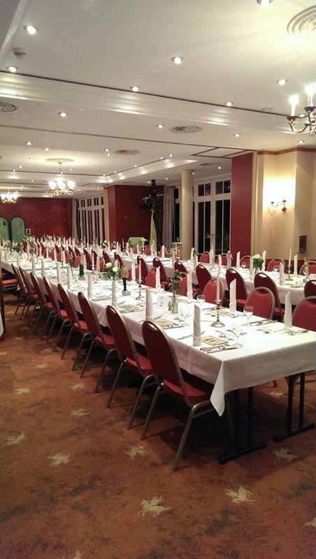 Beispiel: Hochzeitstafel, Foto: Landhotel Schloss Teschow.