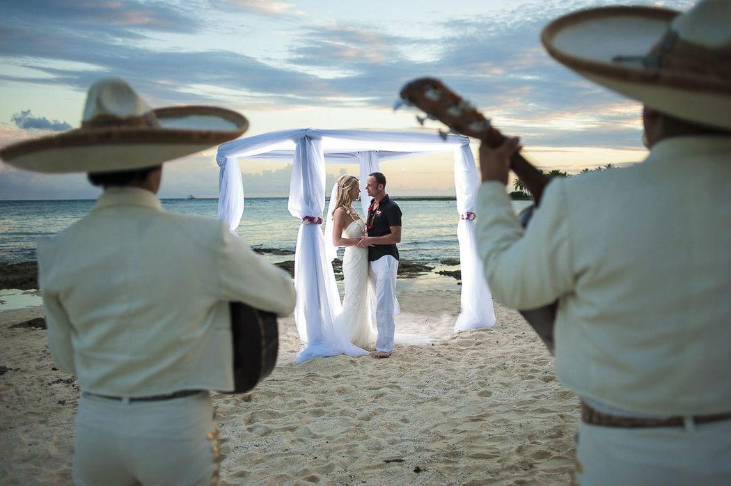 ceremonia playa mariachi