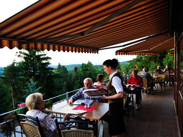 Beispiel: Terrasse, Foto: Berghotel Augustusberg.