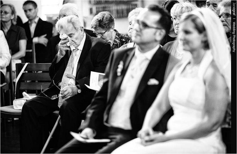 Beispiel: Momente und Emotionen für die Ewigkeit festgehalten, Foto: Janograf Wedding Photography.