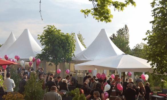 Beispiel: Hochzeitsgesellschaft, Foto: Hofgut Rheingrafenstein.