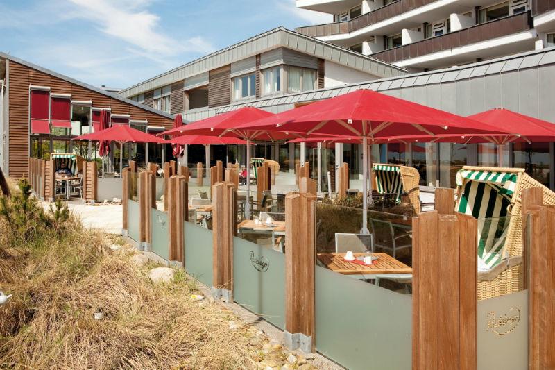 Beispiel: Terrasse, Foto: Hotel Ambassador.