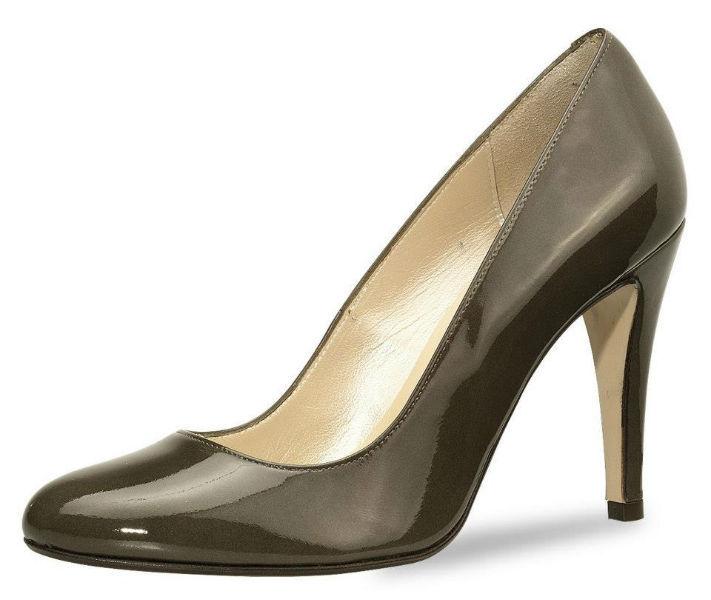 Beispiel: Schuhe in verschiedenen Farben, Foto: Elsa Coloured Shoes.
