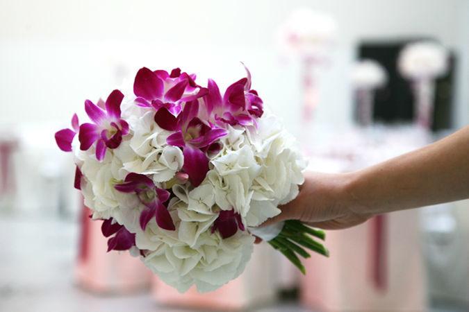 Beispiel: Einzigartige Sträuße für die Braut, Foto: Marsano Blumen.
