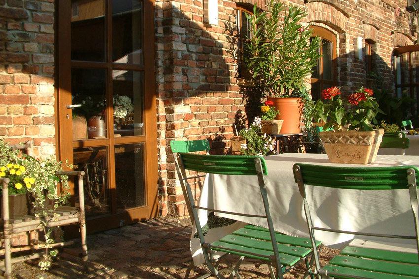 Beispiel: Terrasse, Foto: Gasthof Zur Linde.