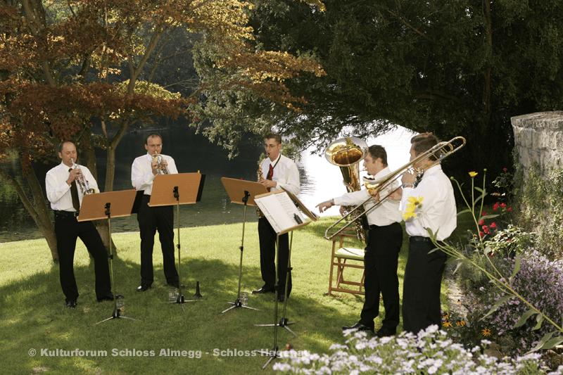 Beispiel: Musikalische Untermalung, Foto: Schloss Hagenau.