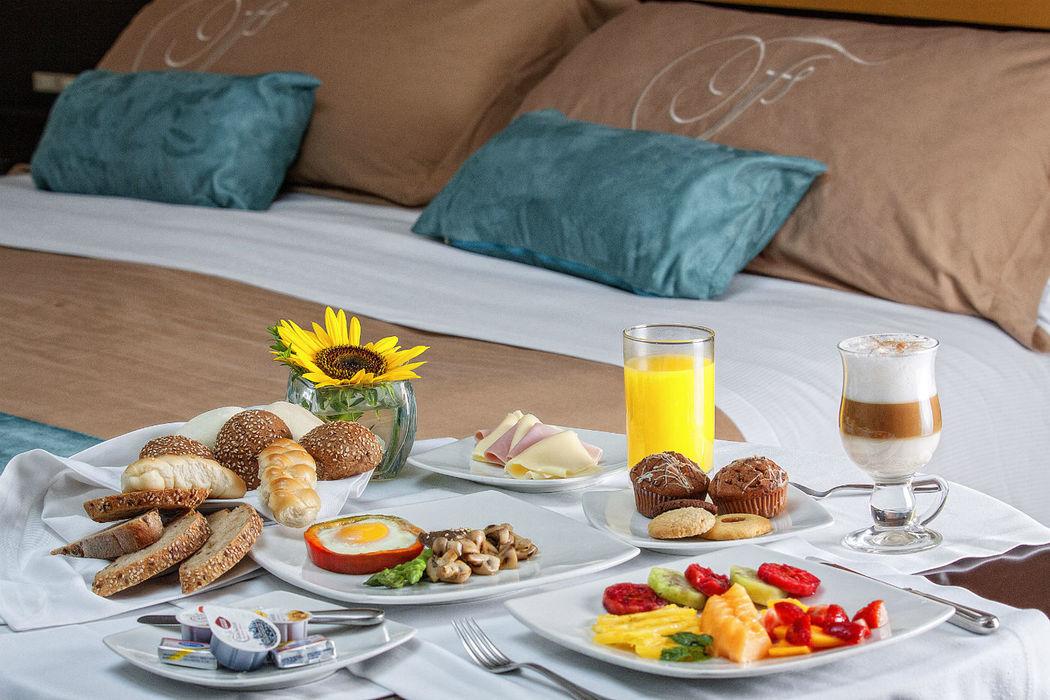Breakfast - Room Service 24H Foresta Hotel Lima San Isidro