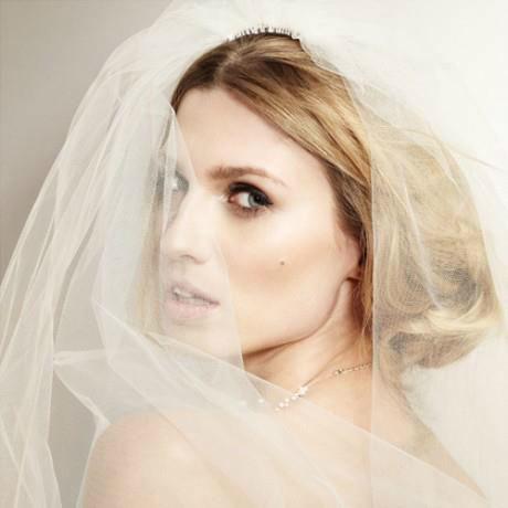 Beispiel: Umwerfend geschminkte Braut, Foto: JACKS Beauty Department.