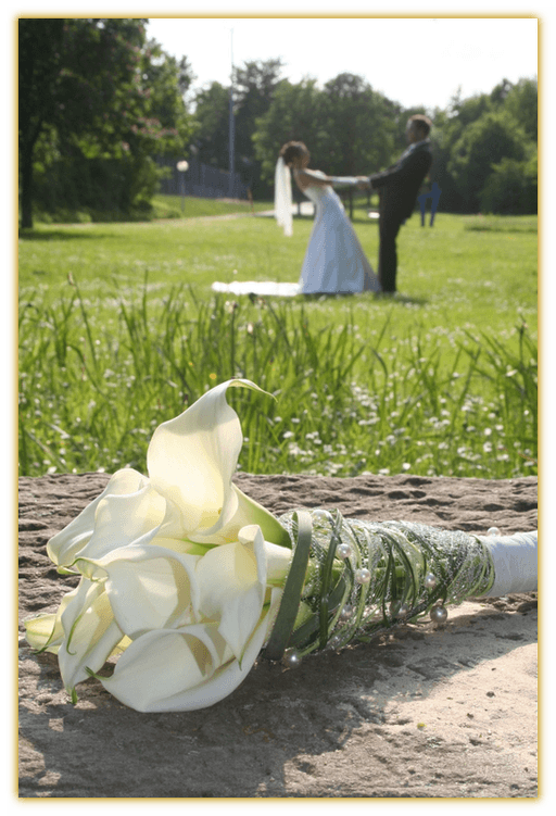 Beispiel: Hochzeitsfloristik, Foto: Die Blumen-Lounge Göllner.