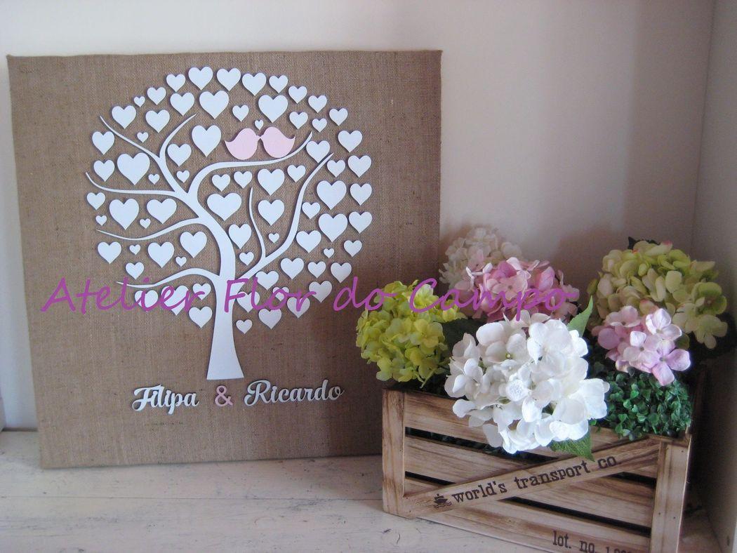 Árvore com corações para assinatura ou impressão digital