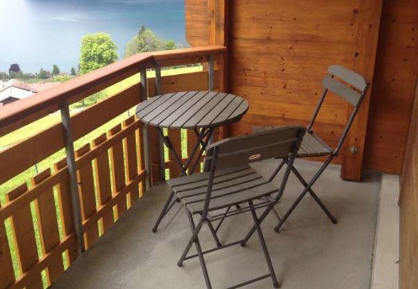 Beispiel: Terrasse eines Zimmers mit Blick auf den See und die Berge, Foto: Hotel Restaurant Meielisalp.