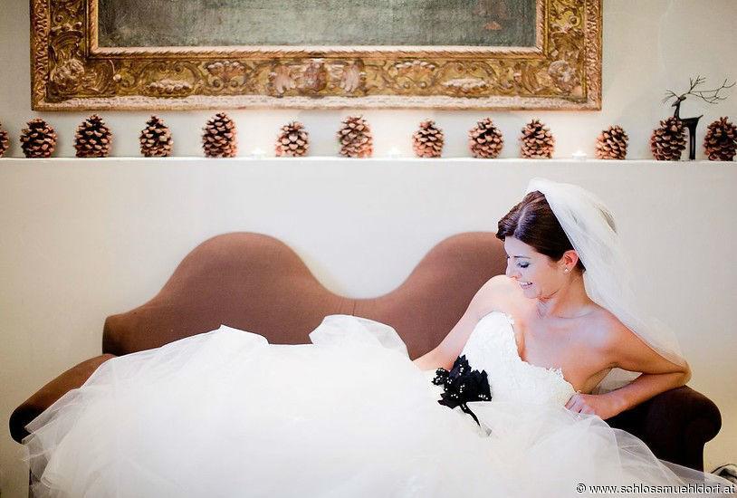Beispiel: Braut in Hotelzimmer, Foto: Schloss Mühldorf.