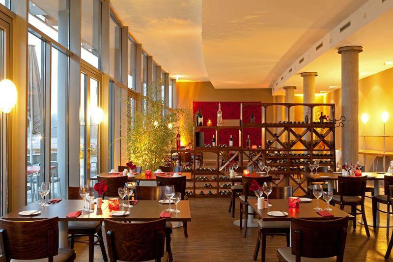 Beispiel: Restaurant, Foto: arcona am Havelufer.