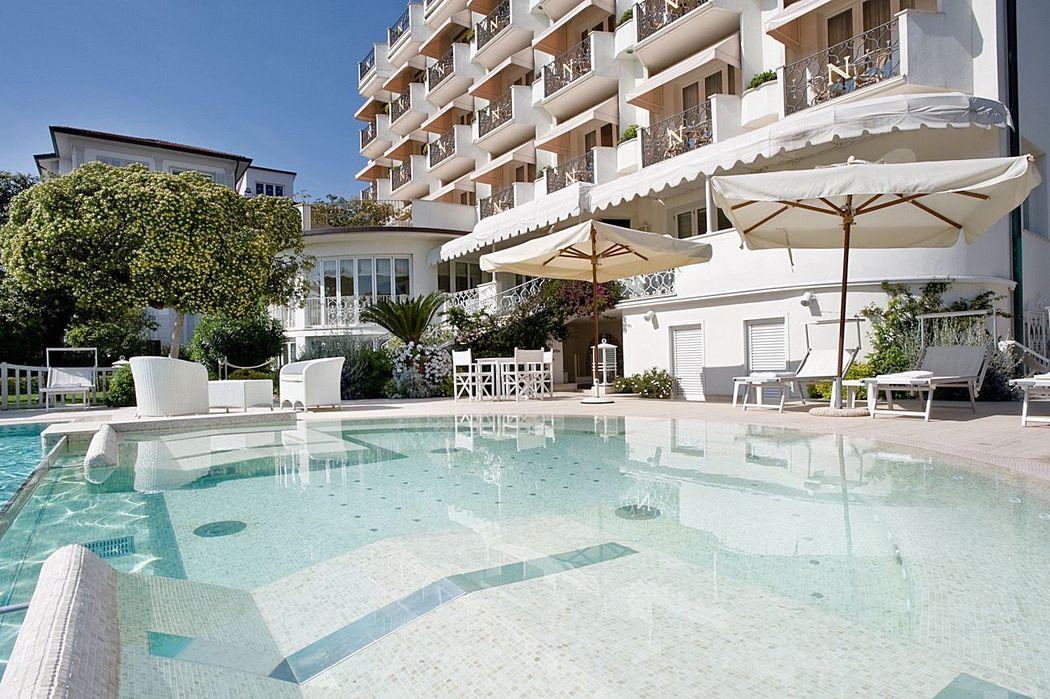 Hotel Il Negresco facade&pool