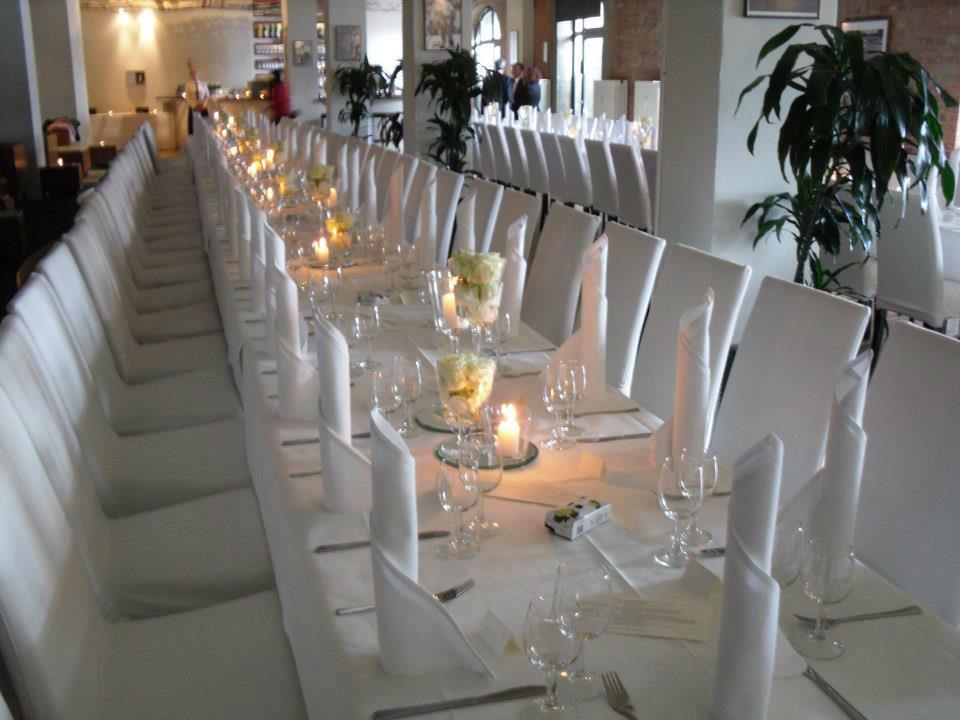 Beispiel: Hochzeitstafel, Foto: Capitol Yard Golf Lounge.