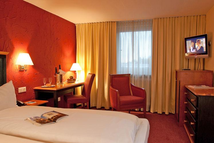 Beispiel: Zimmer, Foto: Best Western Parkhotel Krone.