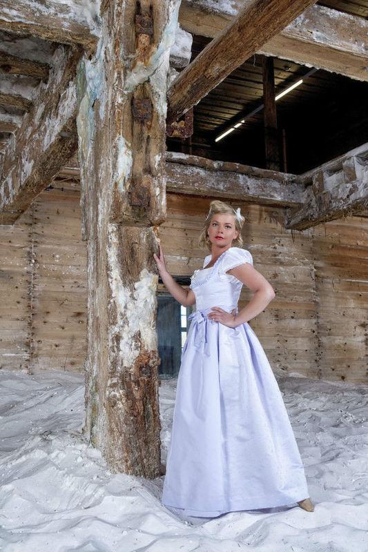 Beispiel: Traumhafte Dirndl zur Hochzeit, Foto: Hanna Trachten.