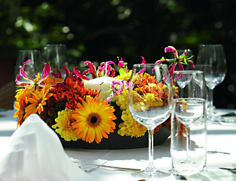 Beispiel: Blumendekoration mit Wildblumen, Foto: Tropenhaus Frutigen.
