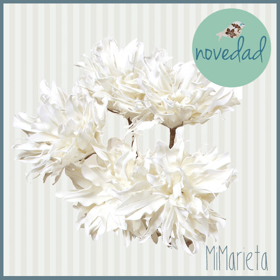 Preciosa Flor gigante artificial decorativa en color blanco que dará elegancia y romanticismo a cualquier estancia. Medidas: 90cm.