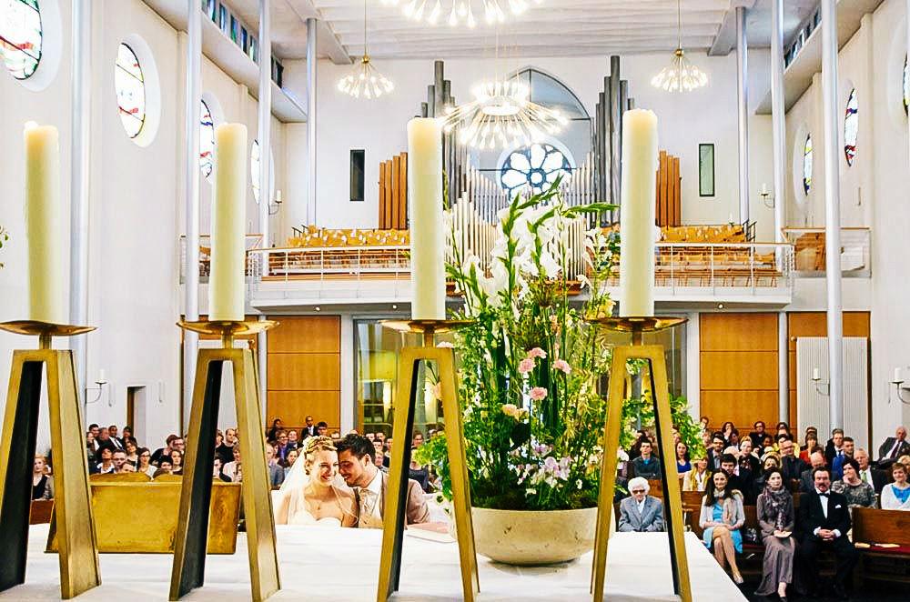 Beispiel: Blumen für die Kirche, Foto: Blumenbar.
