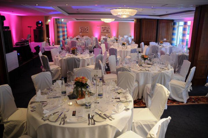 Beispiel: Hochzeitsgedeck, Foto: Hotel Moosburger Hof.