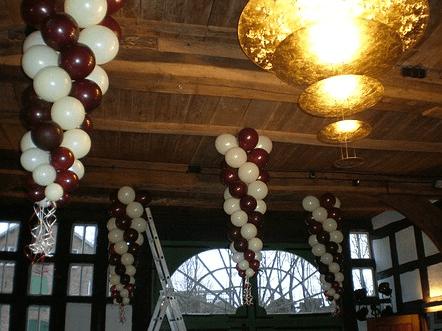 Beispiel: Ballondekoration, Foto: Balloonia.