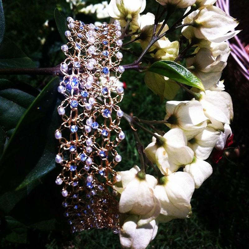 Tiara Petit Pois Dupla Em ouro champagne, com mini perolas e strass.  www.alessandragrinaldas.elo7.com.br