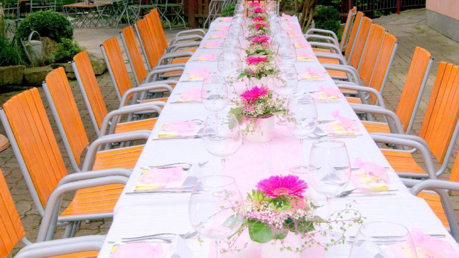Beispiel: Tischdekoration, Foto: Landgasthaus Römerhof.