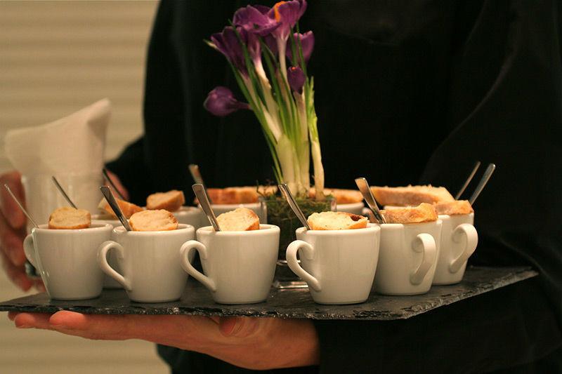Beispiel: Köstliche Speisen und kompetenter Service, Foto: Brunckhorst Catering.