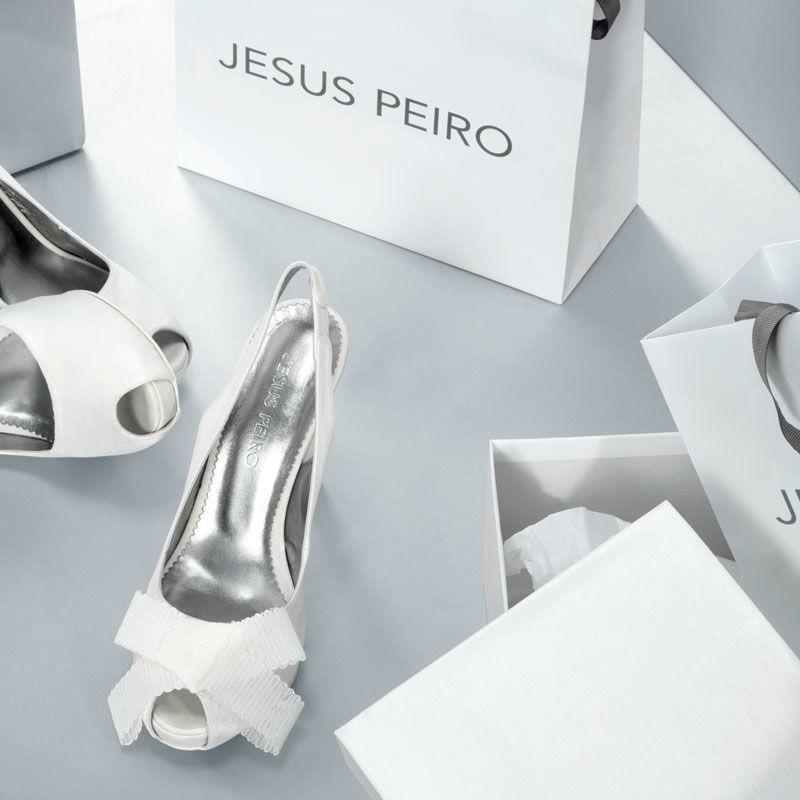 Accesorios para novia - Foto Jesús Peiró