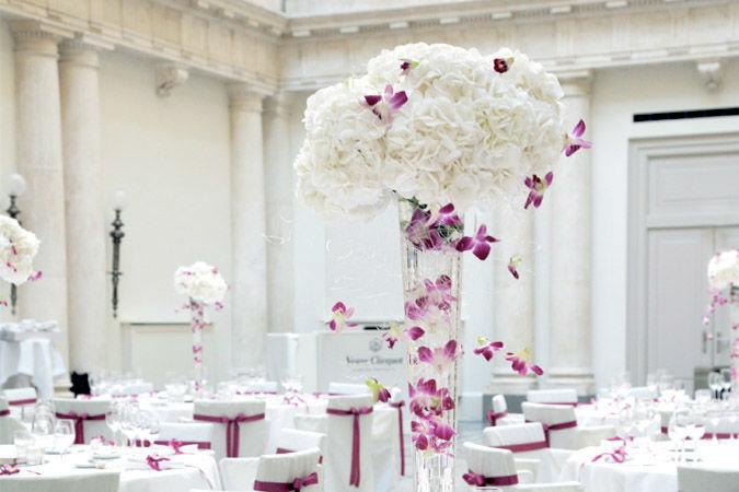 Beispiel: Eleganter Blumenschmuck, Foto: Marsano Blumen.