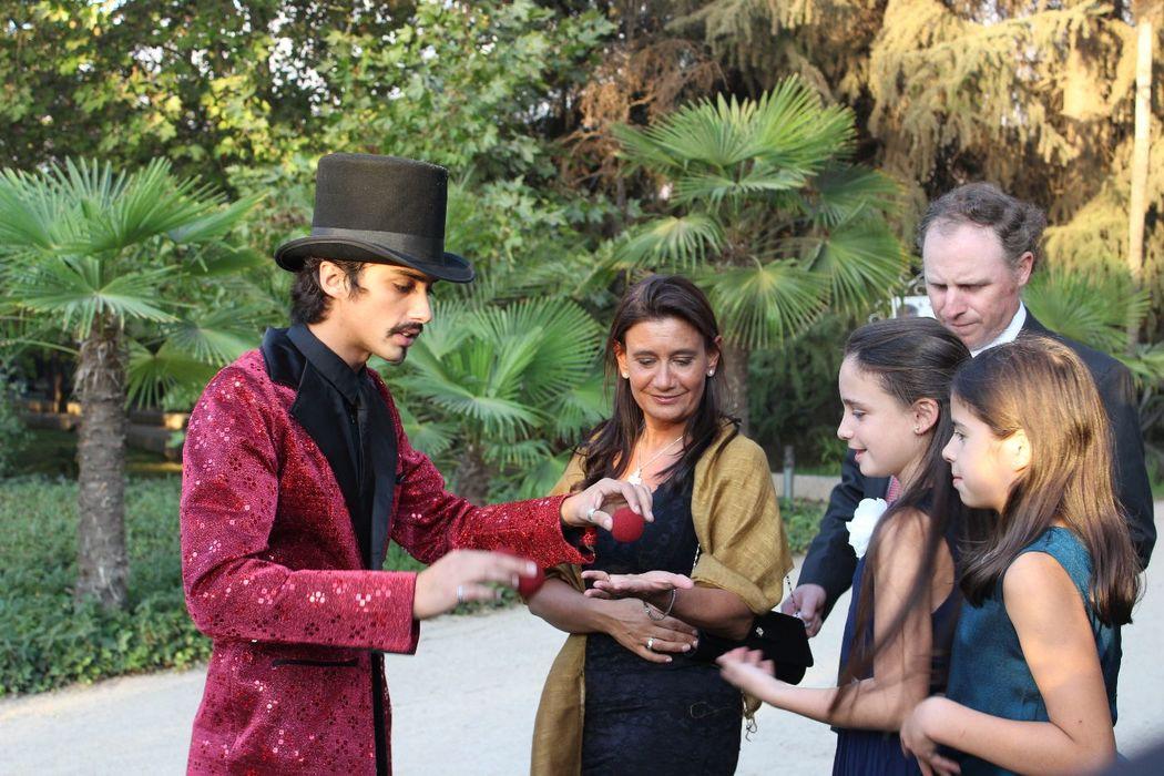 Felipe Calonge en Magia de cerca. Magia para matrimonios