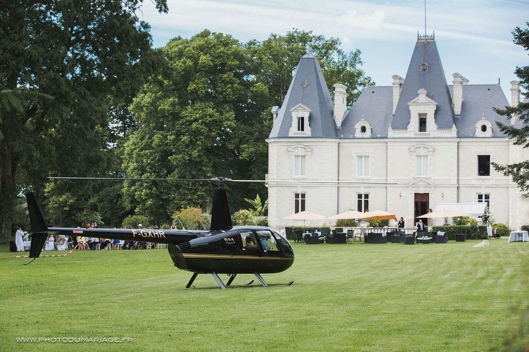 Le château le Saz se situ à 15 minutes du centre de Nantes,  On vous propose une Restauration gastronomique, avec un parc de 7 hectares, Le Château Le Saz dispose de deux grandes salles de 200 m² chacune, au sein du château.